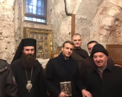 Wajeeh Nuseibeh with French President Macron during his visit to the Church of the Holy Sepulcher. Jerusalem , January 23rd, 2020